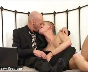 Decent papa nails a hot eager twink