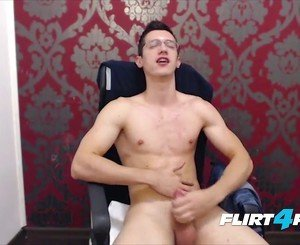 Twink With Glasses Wanks His Huge